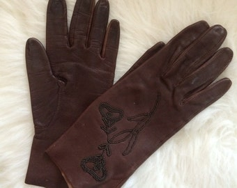 1910-20s Markie by Unique Plum Kid Leather Floral Embroidered Tablecut Gloves - VTG S - Victorian, Boudoir, Costume, Steampunk
