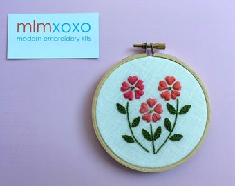 "Floral Trio by mlmxoxo.  Daisy.  modern embroidery kit.  botanical.  diy embroidery kit.  floral garden design.  4"" embroidery hoop art kit."