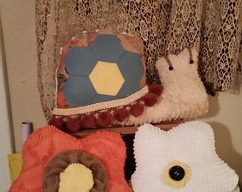 chenille pillow snail