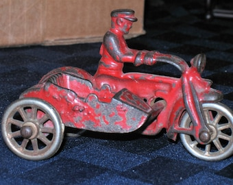 Vintage Hubley Cast Iron Motorcycle Cop with Sidecar Circa 1930s
