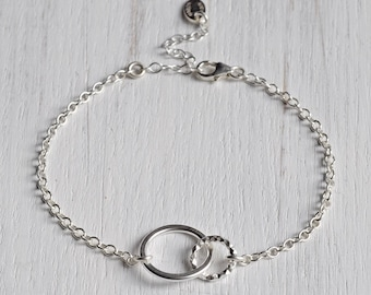 Sterling Silver Eternity Circle Bracelet - Silver Interlocking Bracelet - Interlocking Circles - Silver Circular Bracelet - Valentine's