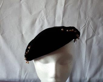 Vintage pancake hat with pink beads
