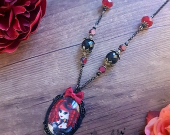 Handcrafted  Ventruesa necklace
