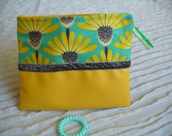 case makeup yellow leatherette and sunflowers, dark grey sparkly Ribbon