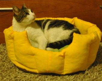 Pet bed, cat bedding, dog bed, pet furniture