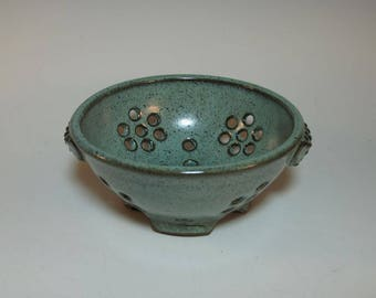 Berry Bowl Colander Fruit Bowl Blue-Green with Textured Handles