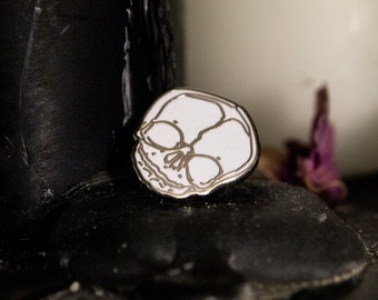 Fetal Skull Enamel Pin - SILVER/WHITE