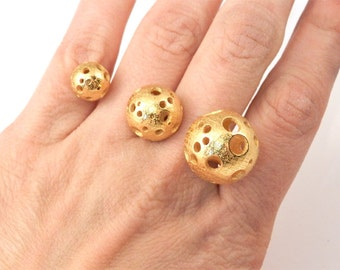 Triple Moonball Ring (3D printed Steel, Gold and Bronze)