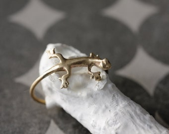 Handmade ring lizard. Ring hand made in the shape of a lizard.