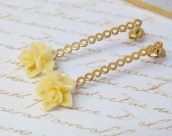 Wedding Gold Earrings, Bridesmaid Jewelry, Gold Bridal Earrings, Cherry Blossom Post Earrings, Bridesmaid Gift, Flower Girl Flower Earrings