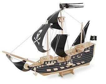 Quay Woodcraft Construction Kit - Pirate Ship
