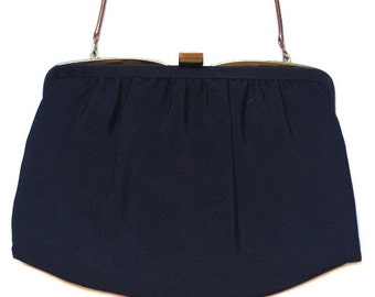 Vintage Ande navy purse with chain strap