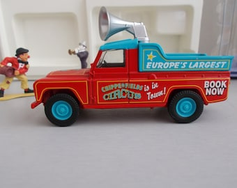 Corgi Chipperfields Circus limited Edition, Land Rover Public Address And Clowns