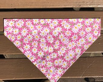 Pink Daisy Over-the-Collar Bandana