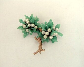 Vintage Glass and Faux Pearl Tree Brooch / Jade Green Glass Leaves / Faux Glass White Pearl Beads / Gold Tone Textured Trunk / Tree Pin