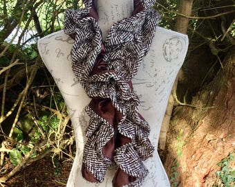 Vintage Dents brown dogtooth pattern spiral shaped scarf