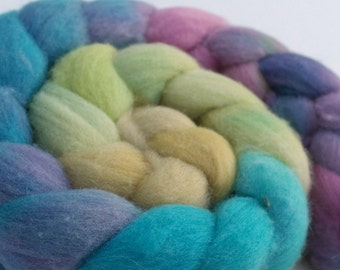 "Portuguese Top / Roving -  4 oz braid handpainted colorway ""His High & Mighty Prince Tiddly-Push"" Gradient"