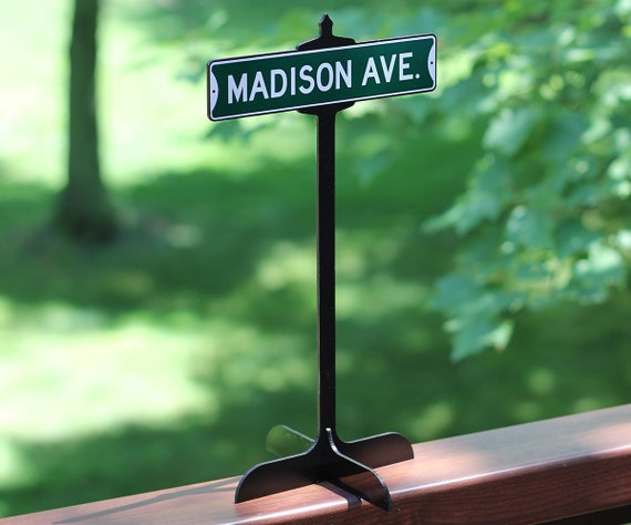 Wedding Table Vintage Custom Street Sign Decoration With Stand Reception Centerpiece Personalized Signs Decor Tables Cute Cake Mr And Mrs