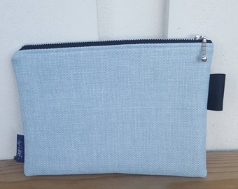 Clutch pale blue