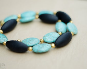 Natural turquoise and black beaded necklace - gold details - Green necklace for wife