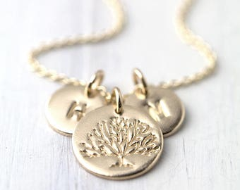 Family Tree Necklace for Mom, Initial Necklace Jewelry Handmade, Mother's Day Personalized Gift for Mom, Necklaces for Women
