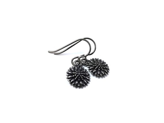 Small Chrysanthemum flower dangle earrings - Hypoallergenic pure titanium and stainless steel