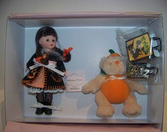 allready REDUCED Halloween Treats Set Madame Alexander MIB