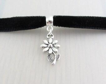 Silver Daisy Flower Charm Black Velvet Ribbon Choker Necklace, 9mm Black Velvet Choker, Daisy Flower Pendant, Daisy Flower Charm Necklace