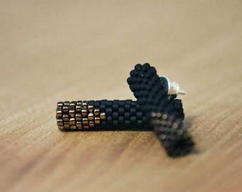 perlenROLLE Ohrstecker in geometrischer Form, schwarz, kupfer