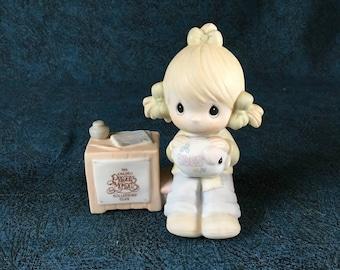 Vintage 1983 Precious Moments Collectors Club Figurine