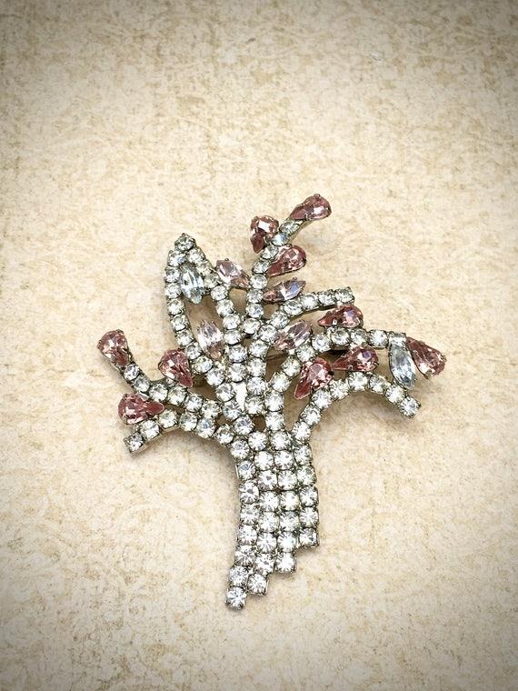 Flower bouquet rhinestone brooch, offered by https://www.etsy.com/shop/JNPVintageJewelry
