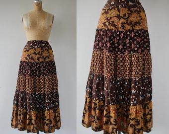 vintage 1970s skirt / 70s maxi skirt / 70s tiered floral skirt / 70s brown golden yellow maxi skirt / paisley full length skirt / 26 w