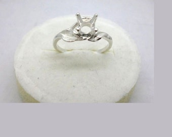 4mm - 7mm Round Three Leaf Pre-Notched Solid Sterling Silver Ring Setting Size 7