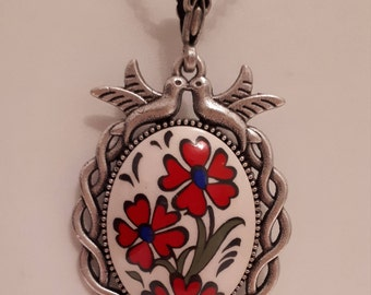 Handmade Traditional Turkish Necklaces Pendant, 3 Flowers motif, Dancing Bird