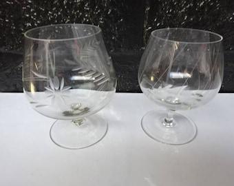 Mismatched Brandy Balloon Glass x 2/Etched Glass/Brandy Glass/Brandy Snifter/Bar Carts/Barware/Vintage/Brandy Drinker/Mothers Day/Vintage