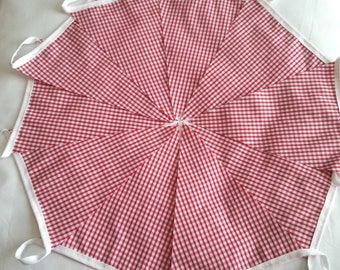 10ft / 3m Bunting Pennant Garland: Red Gingham ~ Italian Kitchen, Barn Dance, Ho Down