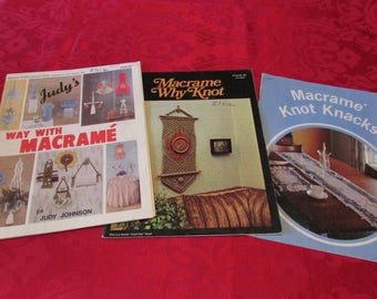 MACRAME INSTRUCTION BOOKLETS 3 Soft Cover Books Knot Knacks 1979, Christmas Plant Hangers Purses Runners, Crafts