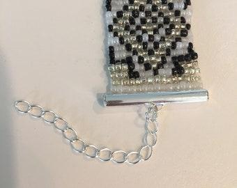 Loom beaded bracelet - Silver
