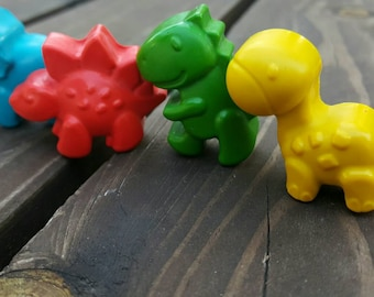 Dinosaur crayons set of 50 - Dinosaur Party Favors - Dinosaur Party - Dinosaur Gifts- Kids Party Favors - Dino Birthday Party Favors - Dinos