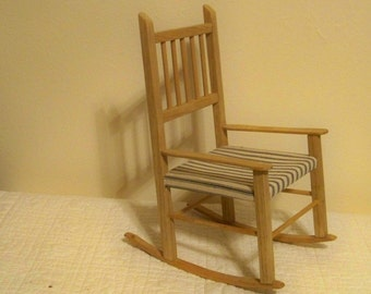 Small Unstained Wood Rocking Chair / Doll Rocking Chair