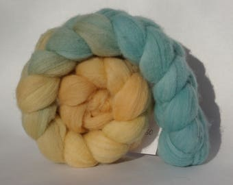 Polwarth spinning or felting - 96g - blue and gold