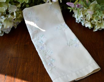 Vintage Embroidered Guest Towel, Pale Creamy Yellow 3455