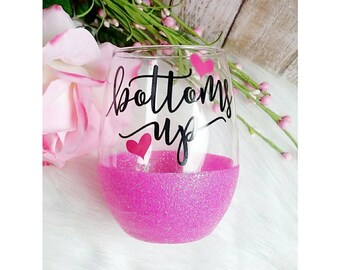 Bottoms Up // Glitter Dipped Stemless Wine Glass