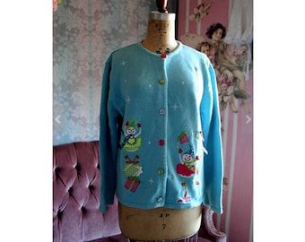 Sz M-L  90s Xmas Ballerina Embroidered Teal Pink Colors Festive Christmas Sweater