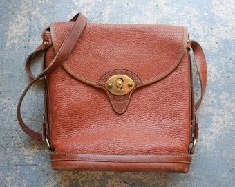 Vintage Dooney & Bourke Cavalry Spectator Saddle Bag L / 90s Brown Tan Leather Adjustable Strap Purse