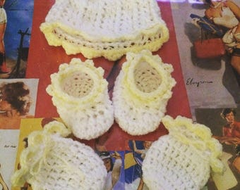 Tiny Baby Hat Mittens & Booties Set