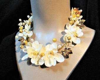 White Statement Necklace Flower Floral Fabric Textile Wearable Art Garden Wedding Necklace Formal Big Bold Chunky Plus Size Summer Necklace