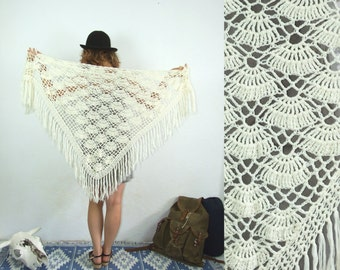 80's vintage women's white fringed mesh triangle scarf/kerchief