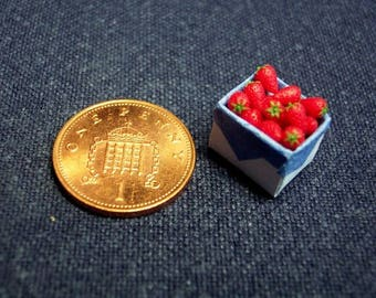 1/12th scale Strawberries in punnet