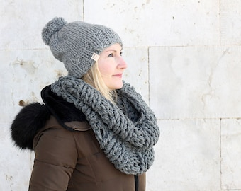Chunky hat and scarf set / Hat and cowl set / Winter hat / Cowl / Chunky knit cowl / Chunky knit hat / Grey